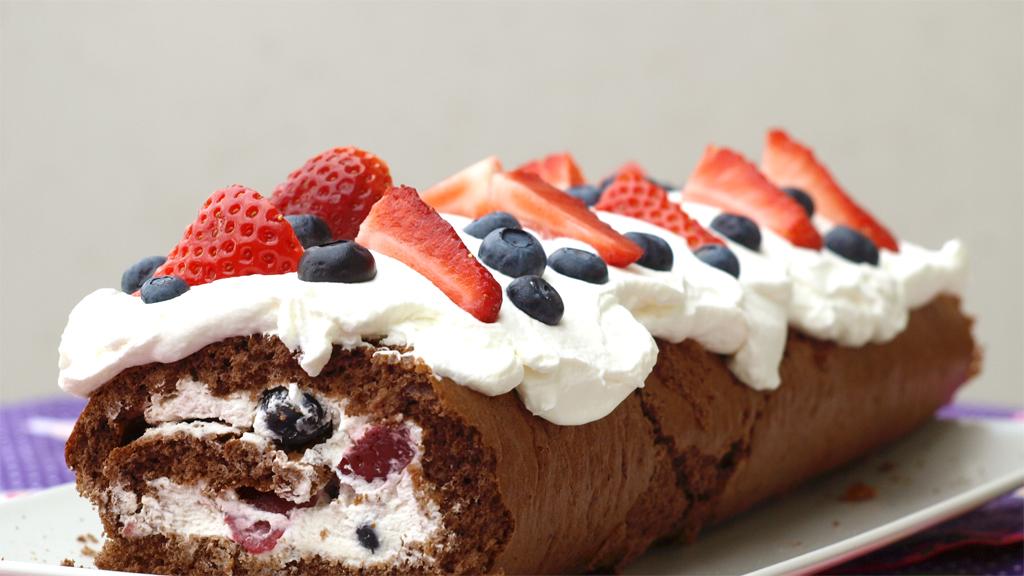 Chocoladecakerol met fruit, zonder suiker